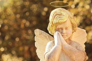 """2月17日は『天使の囁き記念日』。天使のささやきは""""見る""""ことができるって知ってましたか?"""