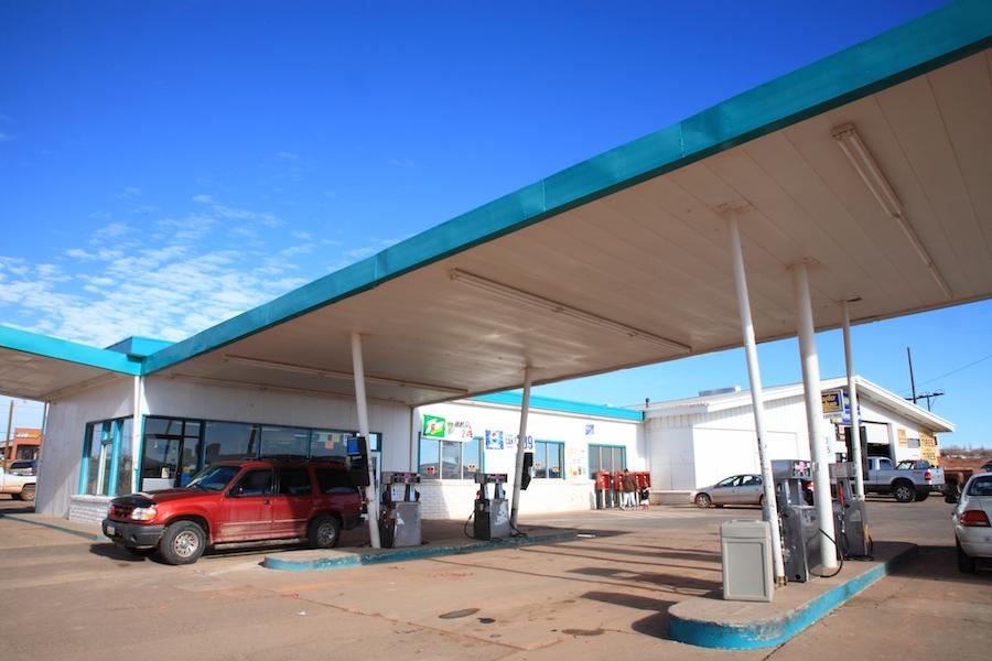 アメリカのガソリンスタンドイメージ