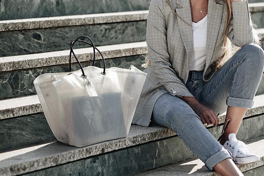 ビニール傘から新素材!廃棄問題を問うブランド「PLASTICITY」
