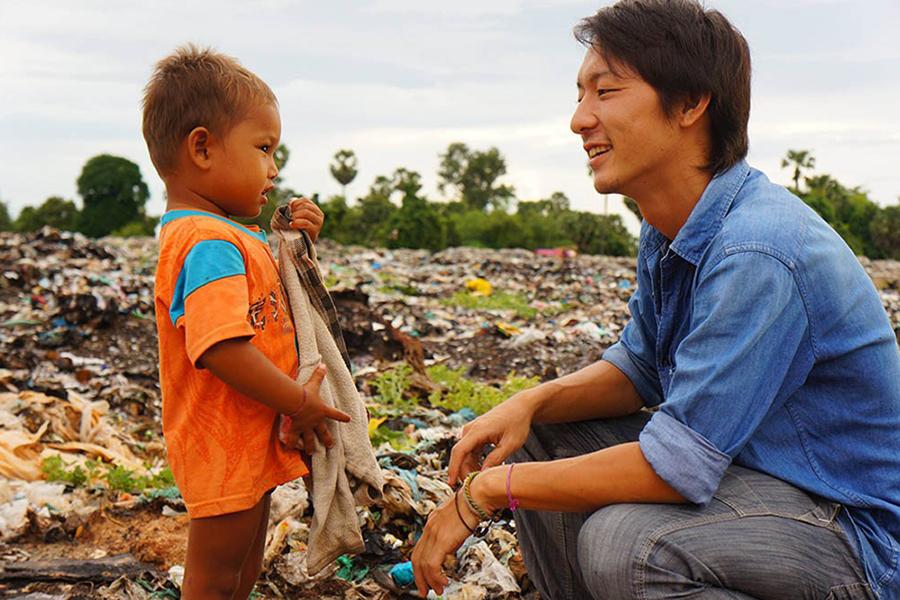 カンボジアの「Ashi(亜紙)」