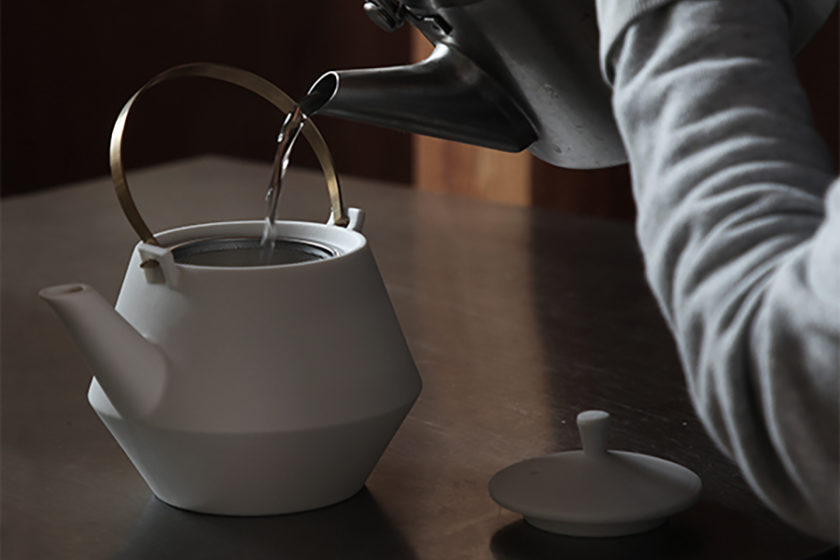これからもずっと、団らんの中にお茶を──暮らしを豊かにする新しい茶器のかたち「frustum(フラスタム)」