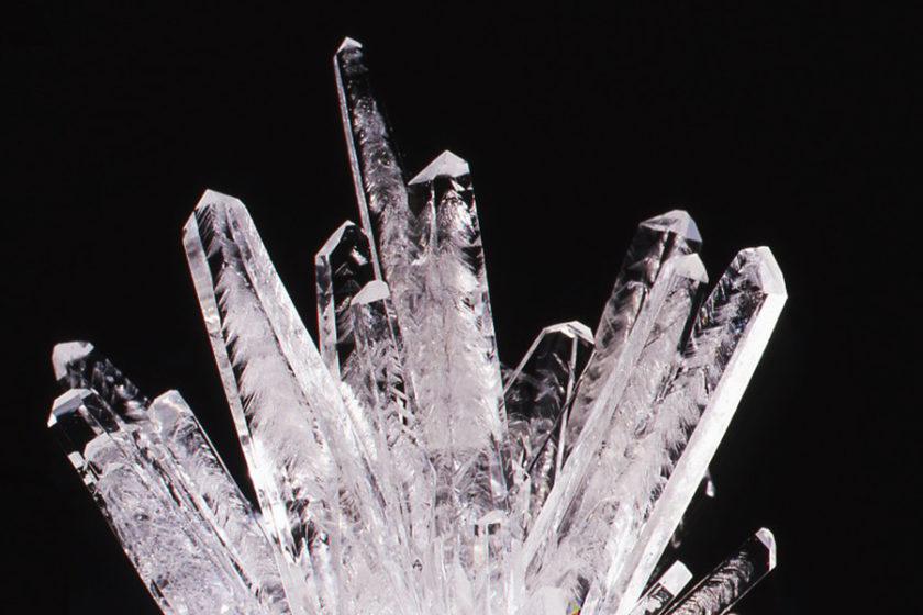 結晶を育てる!?誰でも簡単に栽培できる「結晶育成キット」で、おうち時間がロマンティックに!