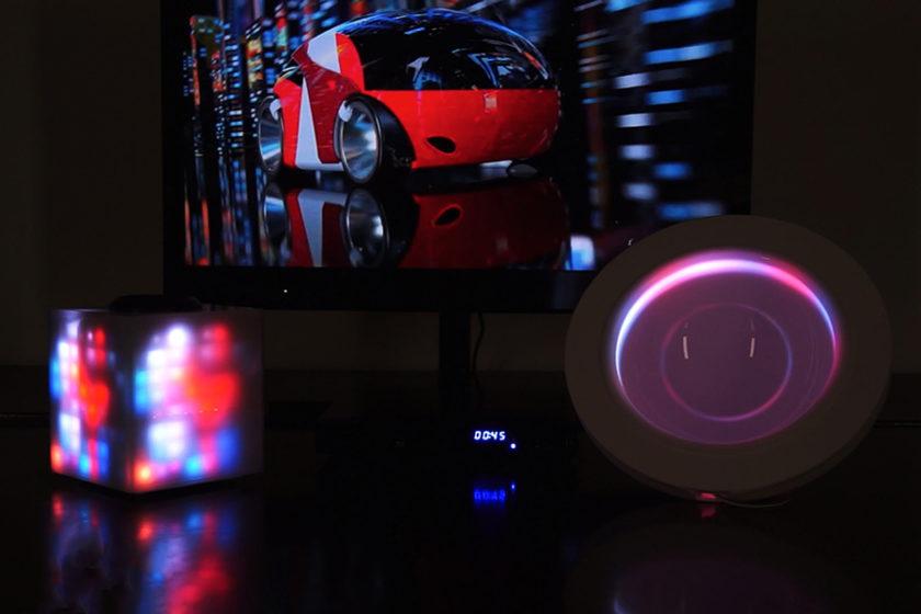 あなたの部屋が映画やゲームの世界観に? 映像から光・音・色を感知する照明デバイス「Film Lamp」