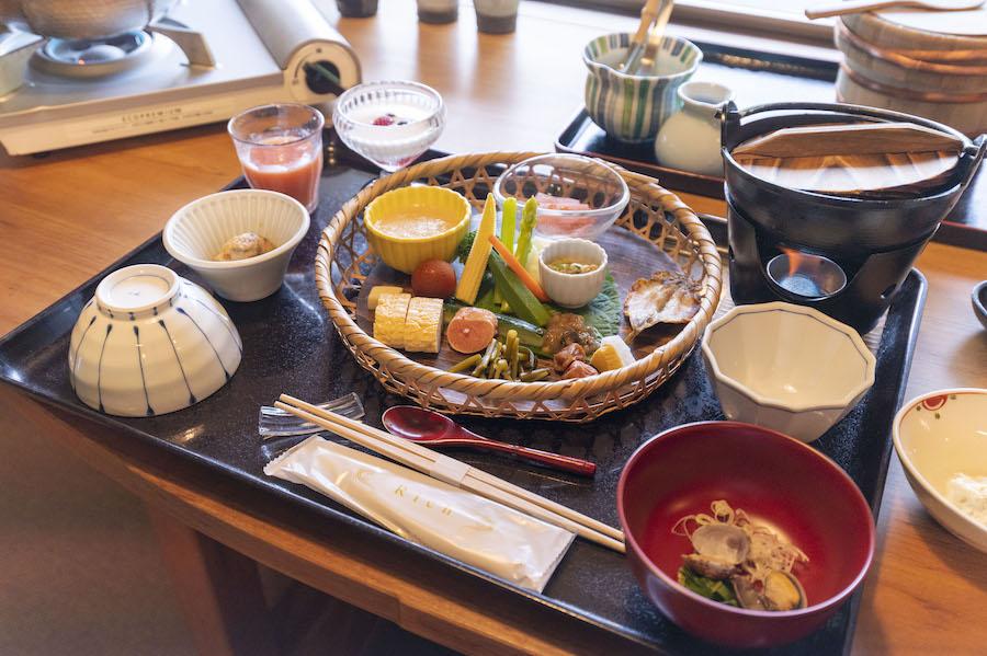食事は部屋でゆったり   photo by ぷらいまり