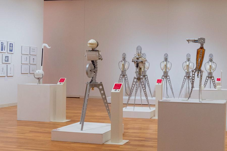 美術館で開催される「ナンセンスマシーン展」の様子 (明和電機ナンセンスマシーン展 in 大分(2018年))  photo by ぷらいまり