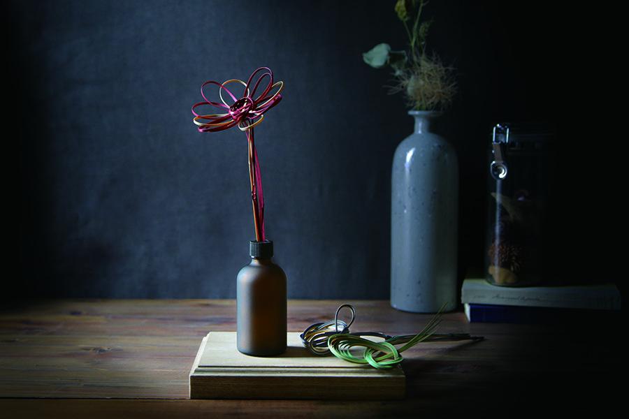 まるで花を贈るように、香りを届けませんか。 -コトモノミチ「Take Reed」