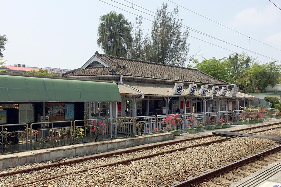 日本の面影を感じる、台湾の地方の駅舎