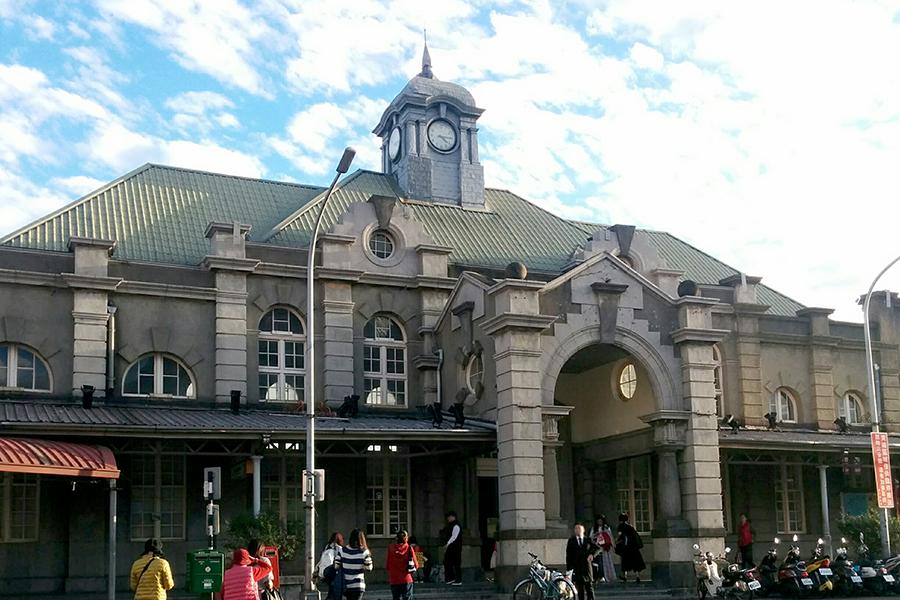 日本統治時代に建てられた新竹駅の駅舎