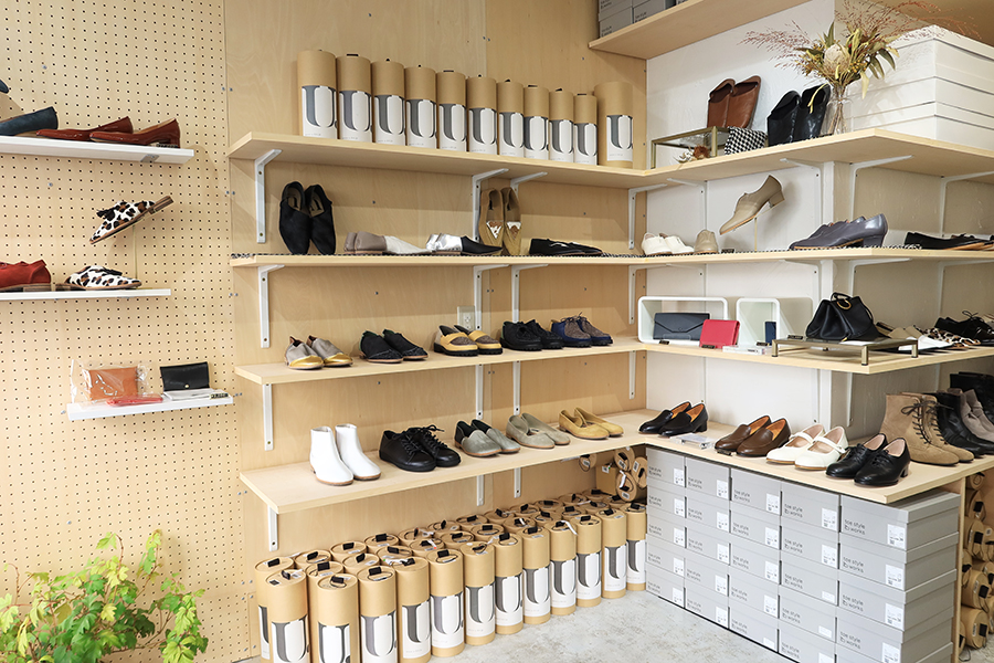 toe style works 店舗ー内観