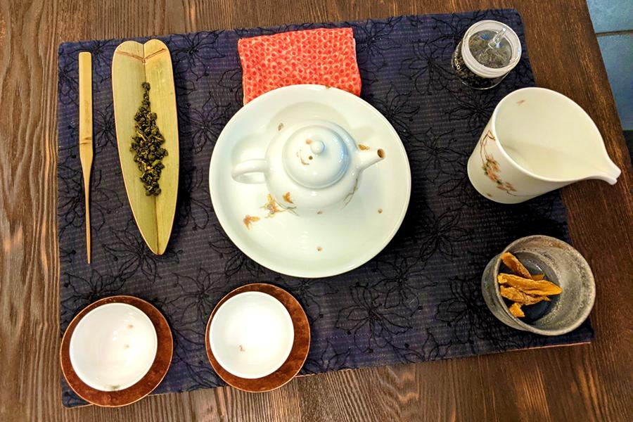 席茶セット。こだわりの茶器をフルセットで愉しむことができる