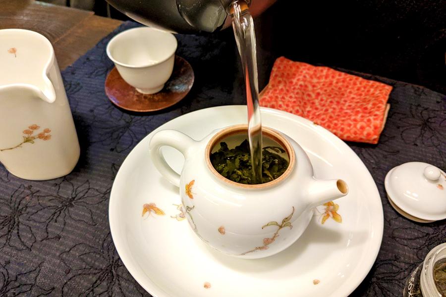 そのあとはセルフでお好みの時間を調整しながら、お茶を淹れる