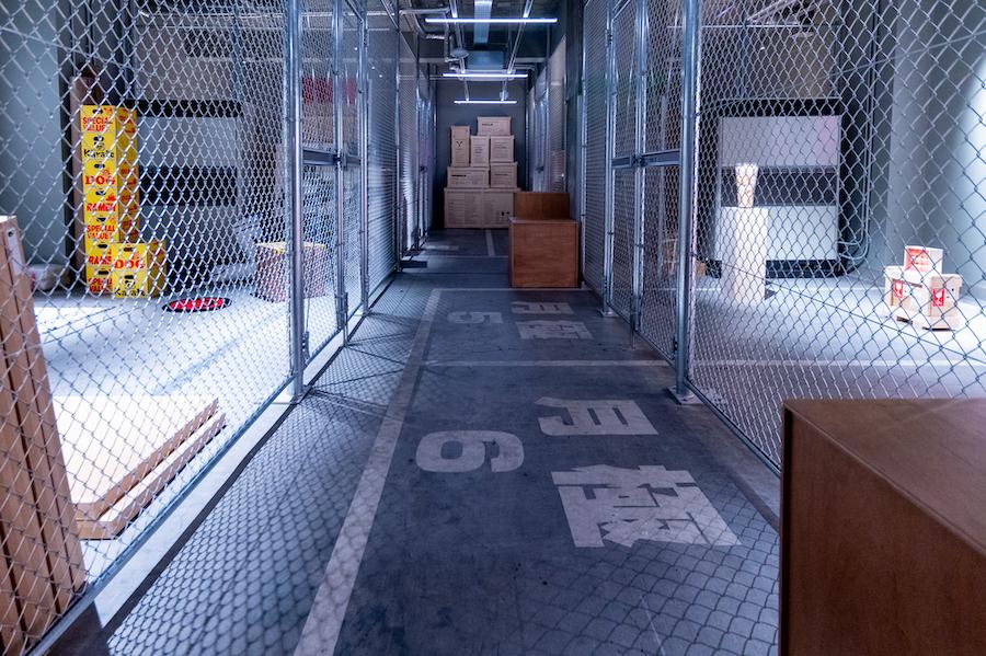6つのアートストレージを有する 地下収蔵庫  photo by ぷらいまり