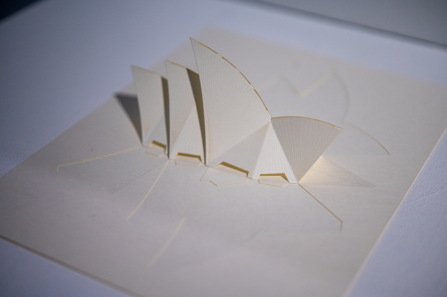 ≪シドニー・オペラハウス≫ 建築設計:ヨーン・ウツソン、1973年 折り紙設計・折り紙製作:木原隆明 photo by ぷらいまり