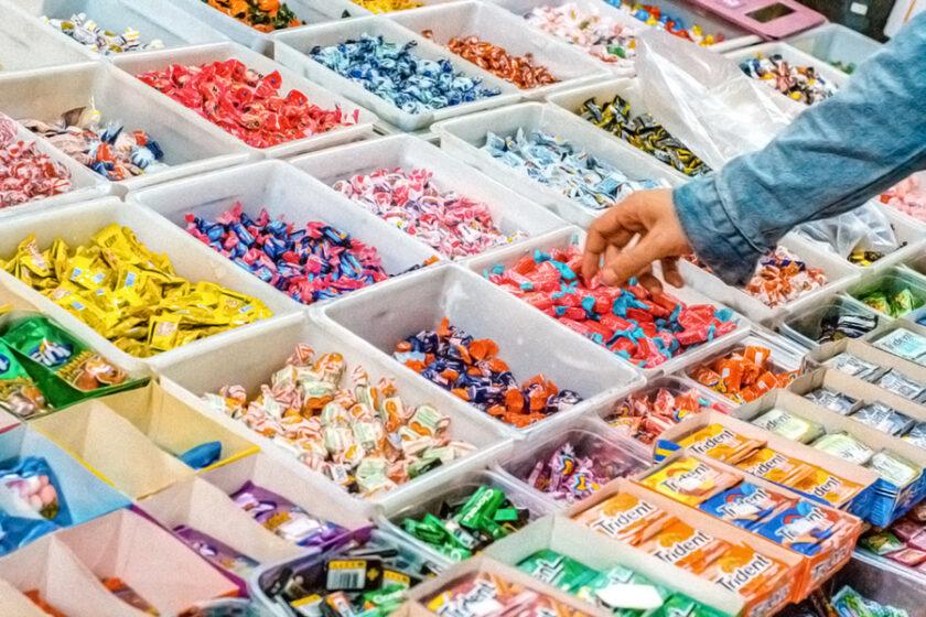 駄菓子屋さんの楽しい買い物に潜む数学的手法「線形計画法」とは?
