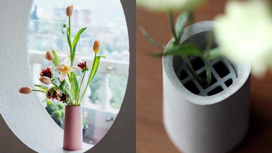 付属のアクリル板で、お花を好きな角度に支えることが可能(画像提供:©️22 Design Studio)